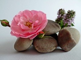 stones-stack-balance-meditation-patience